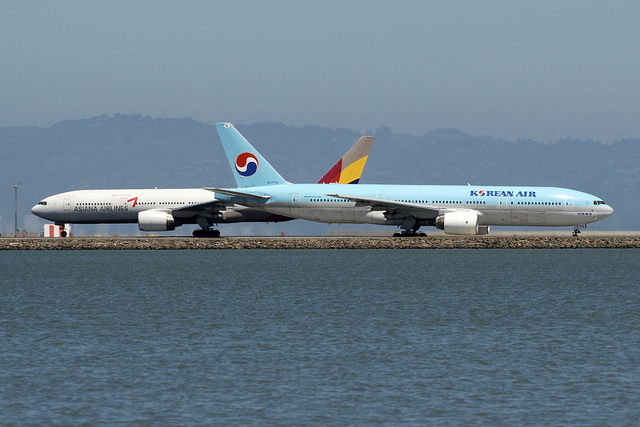 Korean Air, Asiana Airlines Shunned by Debt Investors