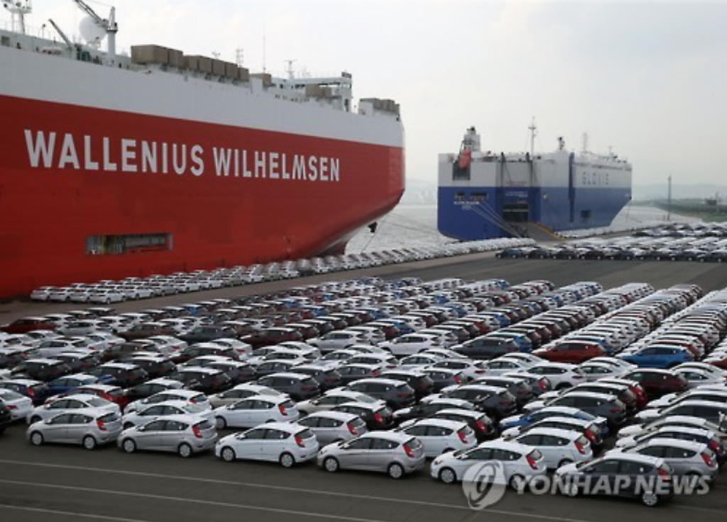 """""""A drop in car production stemming from prolonged walkouts at auto companies and a slowdown in the global economy dragged down South Korea's car exports,"""" the KCS said in a release. (image: Yonhap)"""