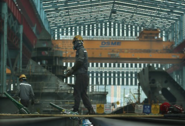 Daewoo Shipbuilding's Subcontractor Workers at Risk of Losing Jobs