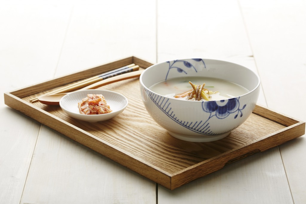 Ahead of this year's Seollal (Lunar New Year) holiday, the company even presented a set of bowls for tteokguk (rice-cake soup), an iconic dish for the occasion. (image: Royal Copenhagen)