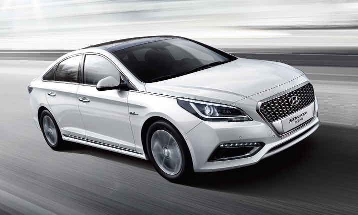 The recall affects 23,980 Sonata LF and Sonata LF Hybrid cars produced between March 3, 2014 and Aug. 18, 2015. Free repair services will be available from Monday at any Hyundai service center throughout the country, the ministry said in a press release. (image: Hyundai Motor)