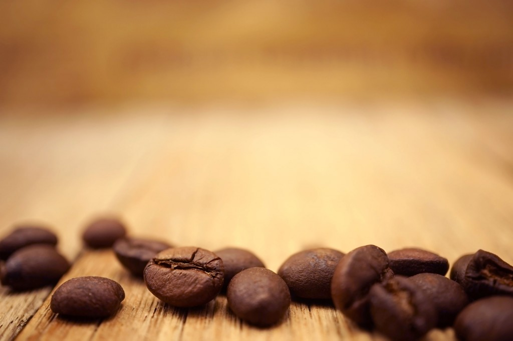 Industry officials say firms and franchises have purchased their coffee through futures contracts that will last for up to a year and help keep the local coffee price stable. When coffee prices continue to rise, however, there will be pressure for a hike, they say. (image: KobizMedia/ Korea Bizwire)
