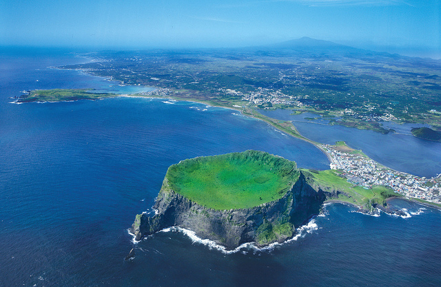 There are currently 12,526 hotel rooms available in Jeju, which is an excess of 1,026 rooms (8.2 percent) relative to demand, which stands at 11,500 rooms. (image: Flickr/ Republic of Korea)