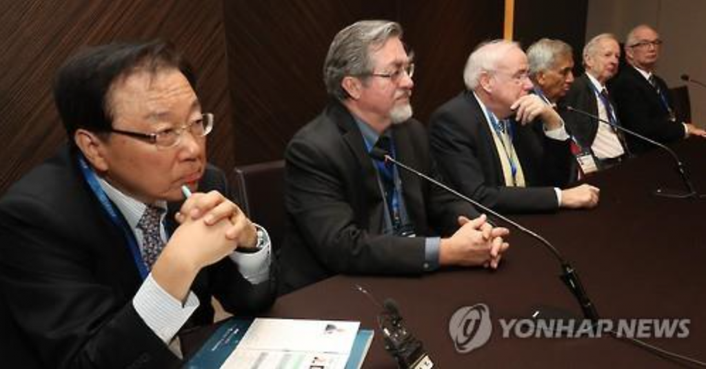 More than 60 leading experts in the fields of physics, chemistry, physiology and medicine, as well as space sciences, shared their latest research and work. (image: Yonhap)
