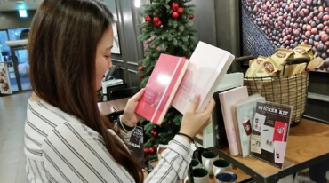 Starbucks' Planners Being Sold at High Prices Online