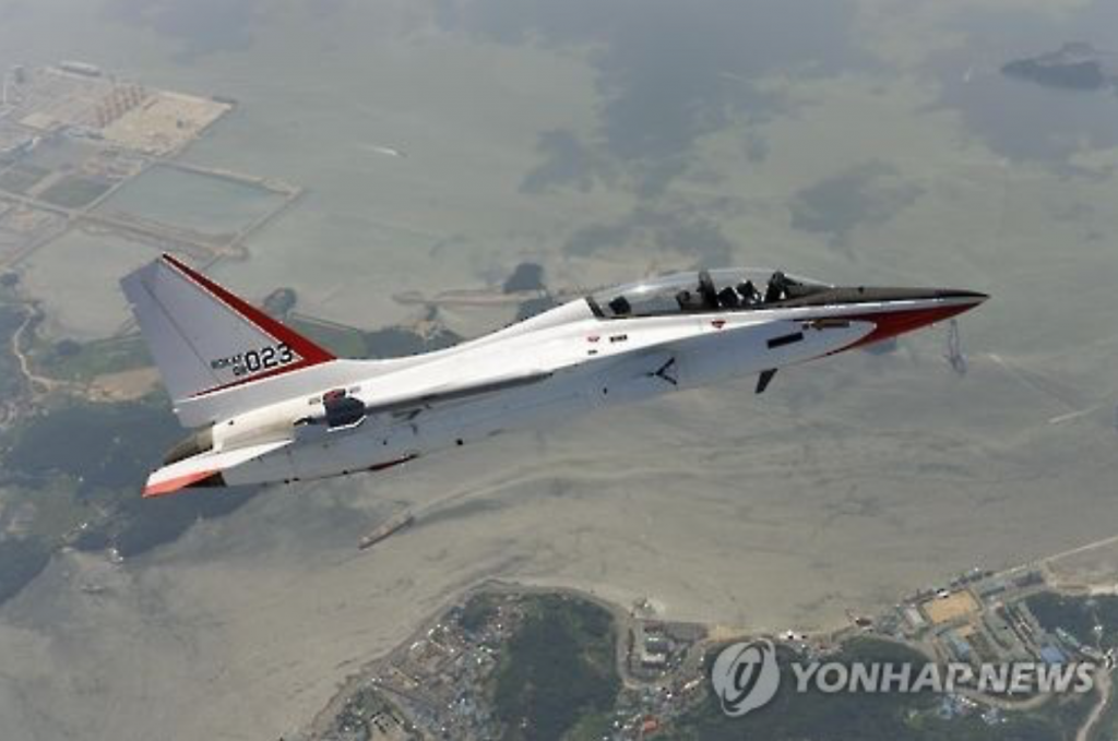 This photo, taken on Nov. 28, 2016, and provided by Korea Aerospace Industries Co. shows a T-50 advanced trainer jet during a test flight in Sacheon, 437 kilometers south of Seoul, home to KAI's headquarters. (image: Yonhap)