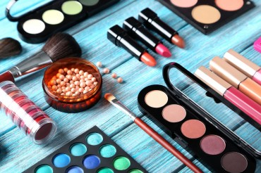 Cosmetics Companies Engaged in Aggressive Overseas Marketing Campaigns