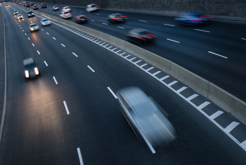 Although engines produced higher noise levels in cars travelling at 40km/h or below, the noise from friction between tires and the ground accounted for the majority (45 percent to 97 percent) when travelling at higher speeds. (image: KobizMedia/ Korea Bizwire)