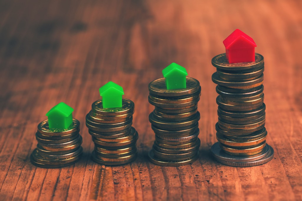Among those who have financial loans, 40.3 percent said they borrowed money to buy homes, 21.1 percent said they borrowed money for their businesses and 18.8 percent for real estate investment. (image: KobizMedia/ Korea Bizwire)