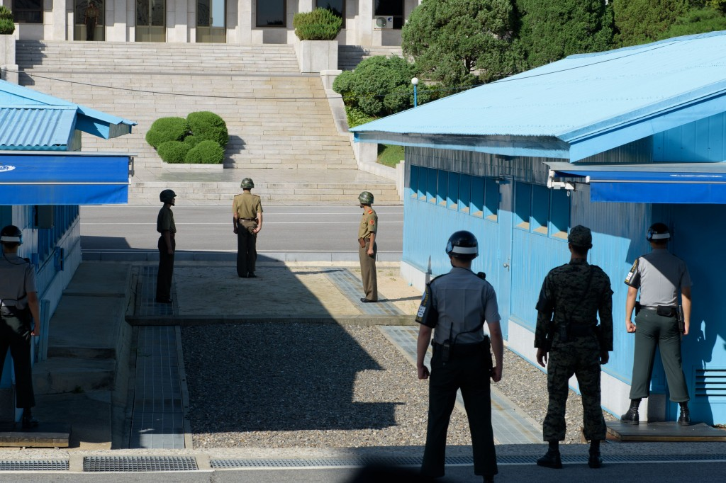 """National security"" tours offering visits to the Demilitarized Zone or the Joint Security Area separating the two Koreas remained popular, with world-renowned celebrities including Alphabet Inc. executive chairman Eric Schmidt and American TV host Conan O'Brien visiting the sites this year. (image: KobizMedia/ Korea Bizwire)"
