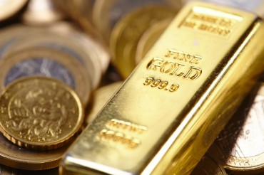 Gold Funds Shine on Flight to Safety