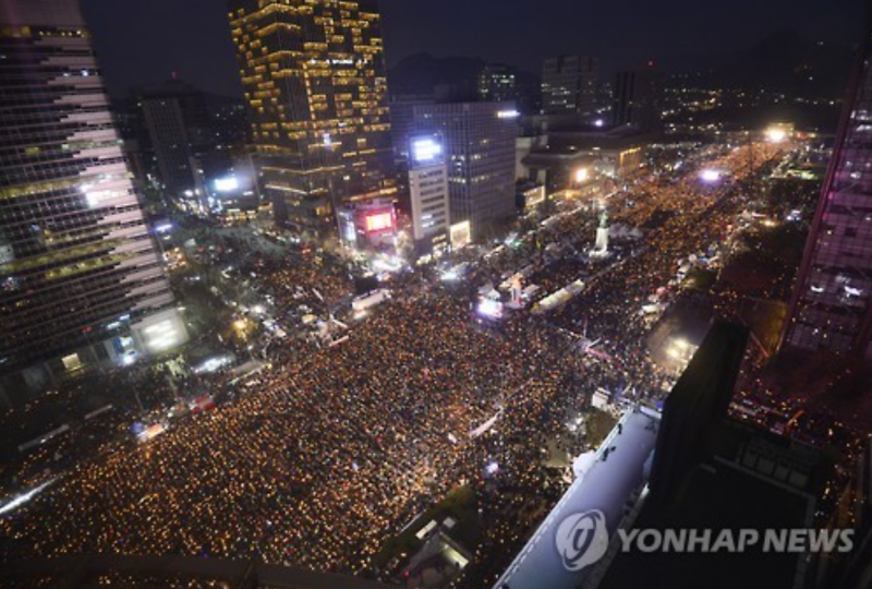 Protests a Boon for Businesses in Central Seoul