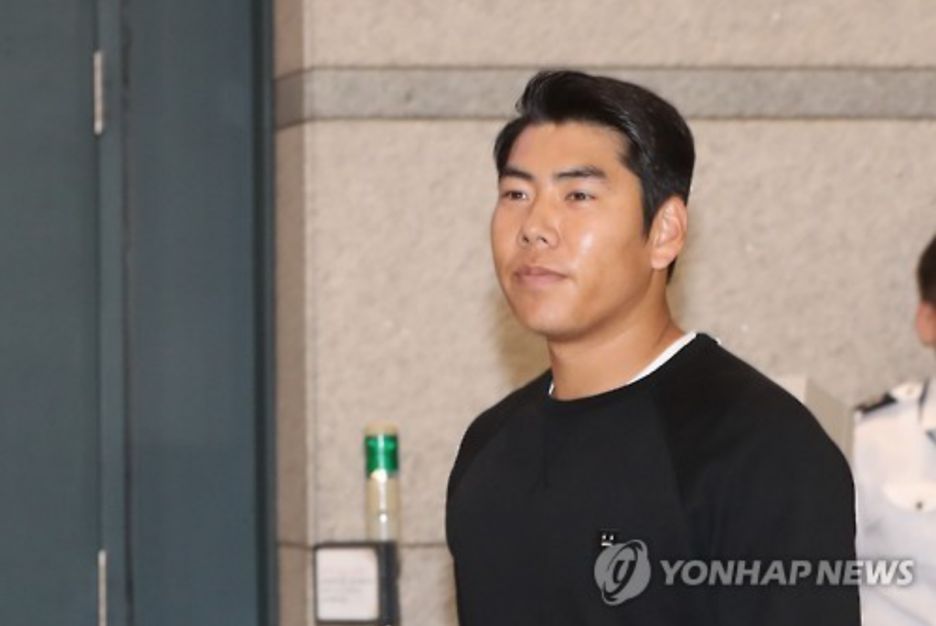 Kang was arrested after fleeing the scene of a DUI accident in the nation's capital last month. Earlier Wednesday, Seoul police said they were seeking Kang's indictment. (image: Yonhap)