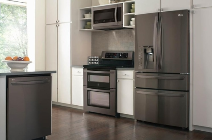 LG Electronics also joined the dark color fray, with the introduction of black stainless steel appliances featuring sophisticated design. The image shown here is LG Electronics' Black Stainless Series.