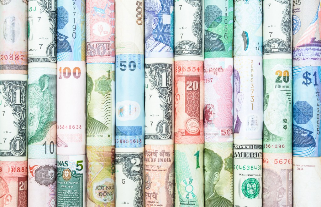 This is not the first time that people have flocked to specific currencies to profit from low exchange rates. (image: KobizMedia/ Korea Bizwire)