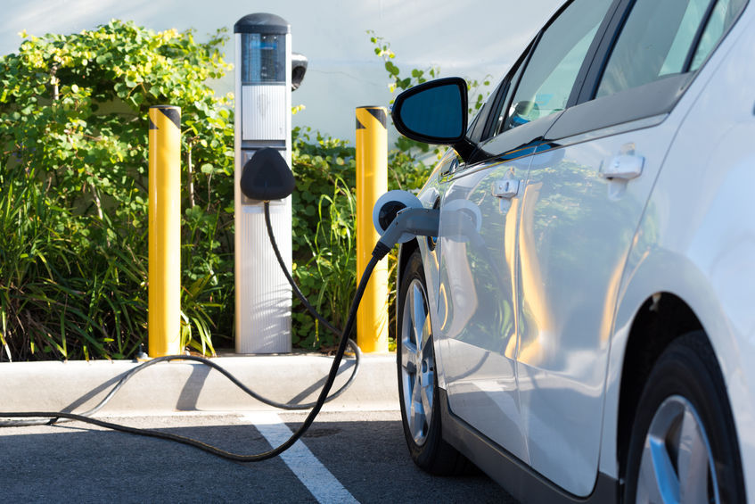 The government currently hopes to replace 30 percent of annual new car registrations (roughly 480,000) with EVs or other environmentally friendly types by year 2020. (image: KobizMedia/ Korea Bizwire)