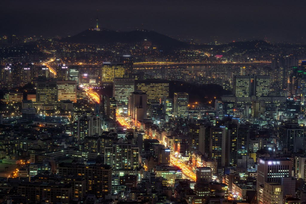 "While tourism and retail businesses are struggling with such hostile actions, experts here are voicing calls to use the crisis into a chance to overhaul the tourism sector to fuel ""qualitative growth."" (image: KobizMedia/ Korea Bizwire)"