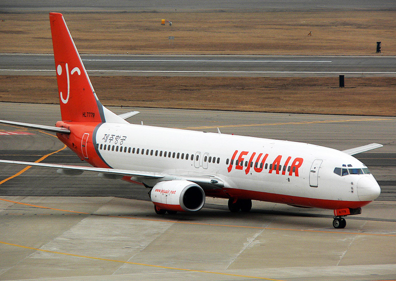 """Six Jeju Air routes, and one route each from Asiana and Jin Air were denied approval, while China Southern Airlines and China Eastern Airlines also retracted charter flight applications recently citing """"China's domestic circumstances."""" (image: Wikimedia)"""