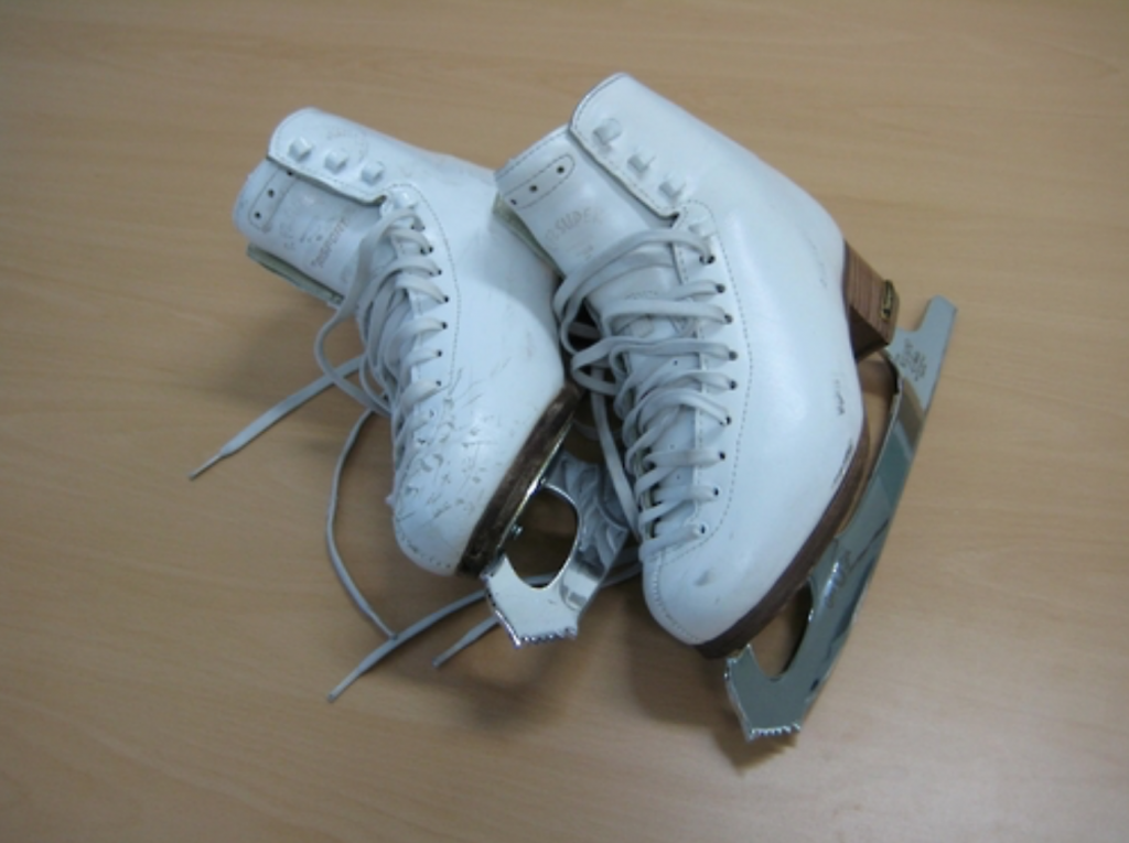 The skates' boots were made by Italian manufacturer Risport, while the blades are from John Wilson Skates, a British company, the CHA said. (image: CHA)