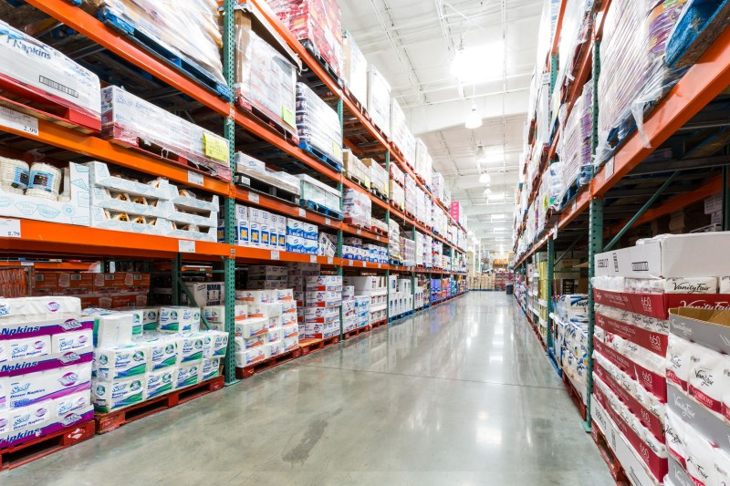 Warehouse Clubs Record Impressive Growth amid Economic Hardships