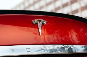 S. Korean Retail Investors' Tesla Holdings Top US$10 bln