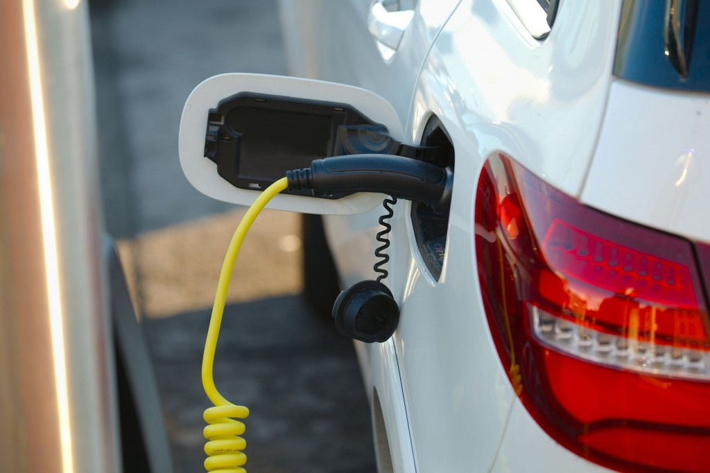 Eco-friendly vehicles, including hybrid cars, now account for a little over 1 percent (244,158) of all registered vehicles in Korea.(image: KobizMedia/ Korea Bizwire)