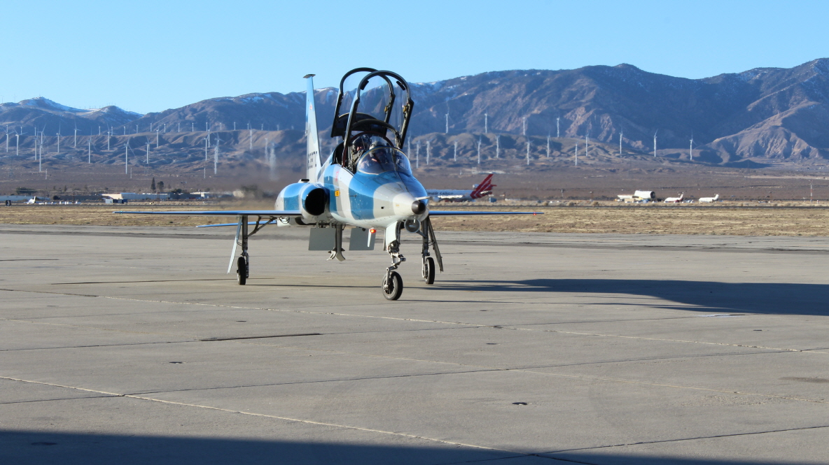 Upset training complete, pilots return to Mojave, CA. (image: Flight Research, Inc.)