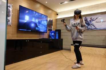 Virtual Reality Videogames Come to Internet Café
