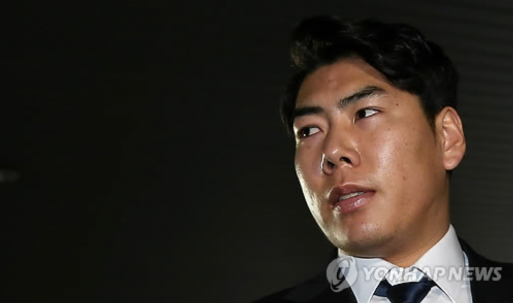 """I deeply regret what I have done,"" Kang said. ""If I can get one last chance, I will become an exemplary player to earn respect from everyone."" (image: Yonhap)"