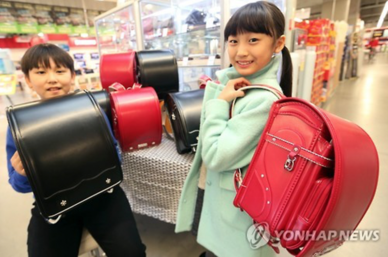 Children's Clothing, School Products Turn Luxurious