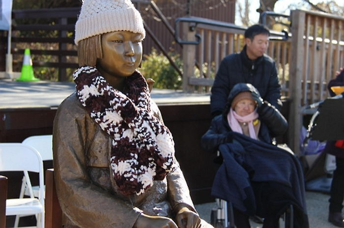 A statue of a 'comfort woman' in Washington. (image: Yonhap)
