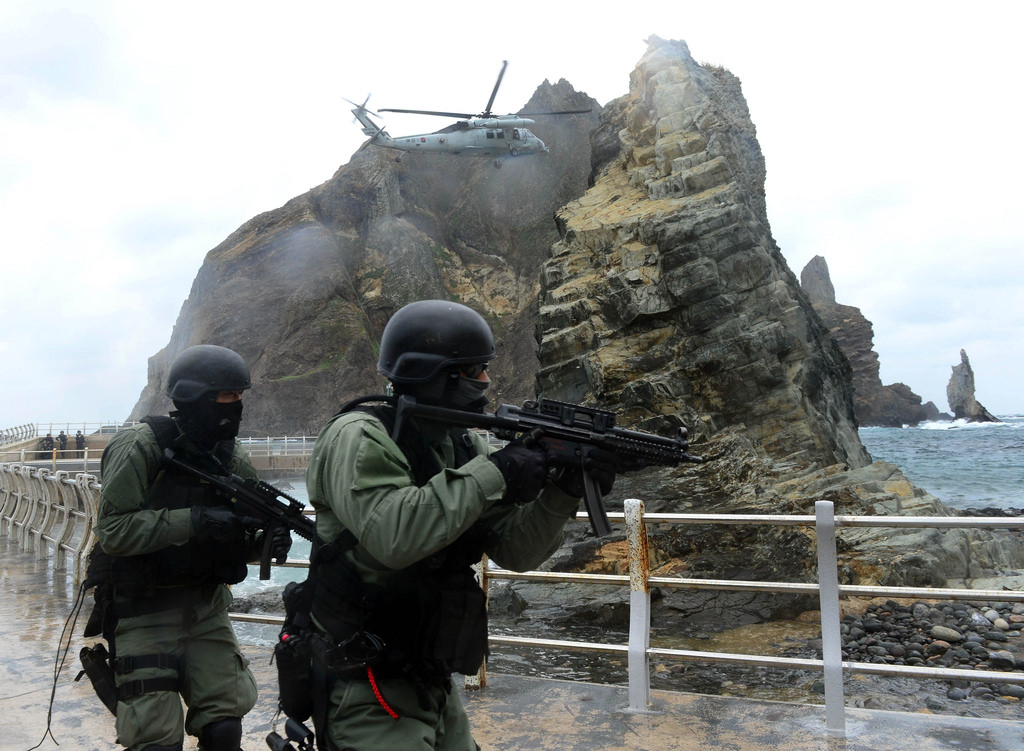 The South Korean military said earlier in the day it is planning a defense exercise around Dokdo sometime in the first half of this year. (The image shows a previously held Dokdo Defense drill of Republic of Korea Navy. Image courtesy of Republic of Korea Armed Forces/Flickr)