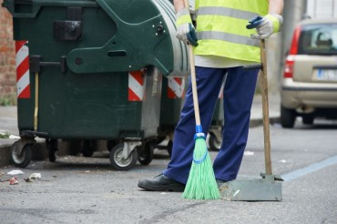 Applicants for Street Cleaning Work Turn Out in Droves as Job Market Plunges