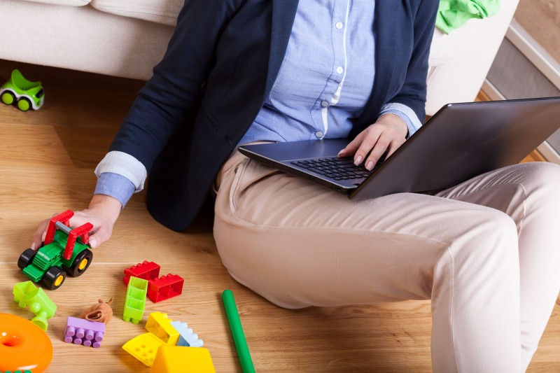 Half of Working Moms Quit 1 Year After Taking Childcare Leave: Survey