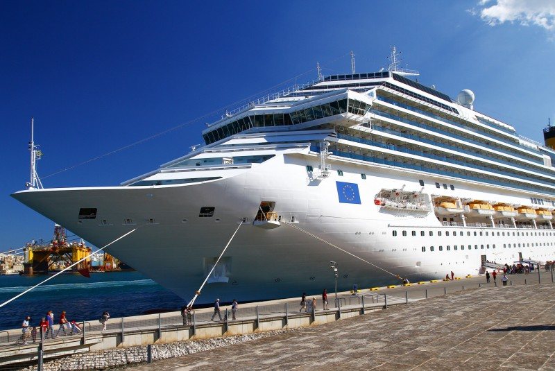 Thousands of Chinese Cruise Passengers Refuse to Disembark in Jeju amid Diplomatic Woes