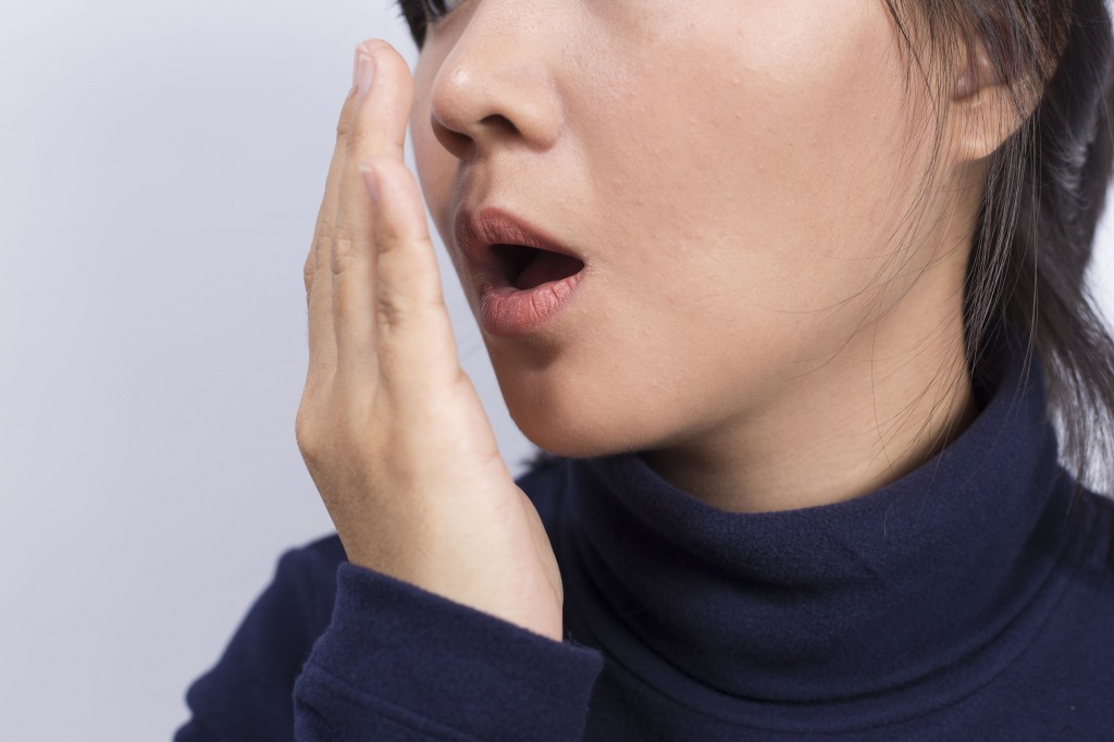 In 85 percent of the cases, the condition is accompanied or worsened by oral complications such as dental caries, gum diseases, and coated or white tongue. (image: KobizMedia/ Korea Bizwire)