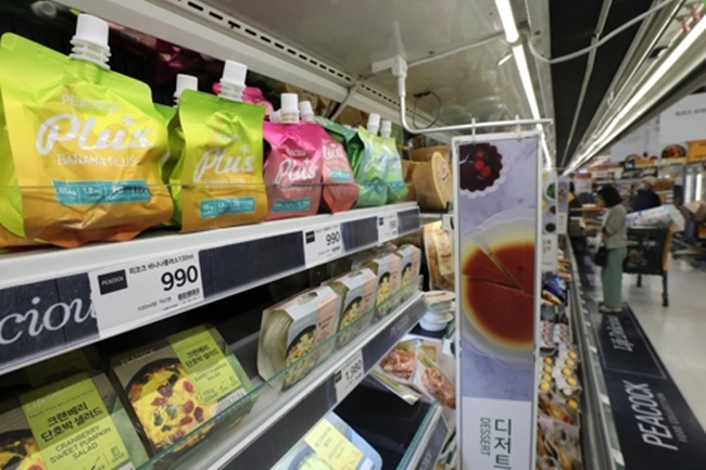 E-mart saw sales of jelly products jump 57.6 percent last year, making the biggest leap among confectionery products. (Image: Yonhap)