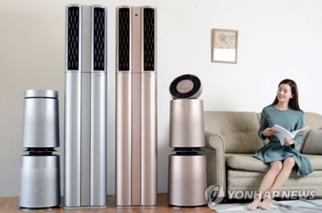 As many as 1 million air purifiers were sold in South Korea last year, up from 900,000 units in 2015 and 500,000 units in 2014, industry sources said, predicting the number will reach 1.5 million for 2017. (image: Yonhap)