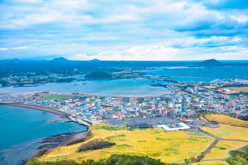 7 in 10 Foreign Property Owners on Jeju Island Are Chinese