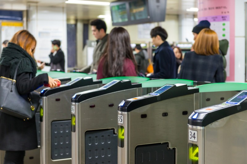 Free Rides for Elderly Costing Seoul Subway Billions