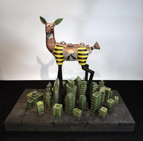 "Jason Walker's ""Redtail."" (image: Korea Ceramic Foundation)"
