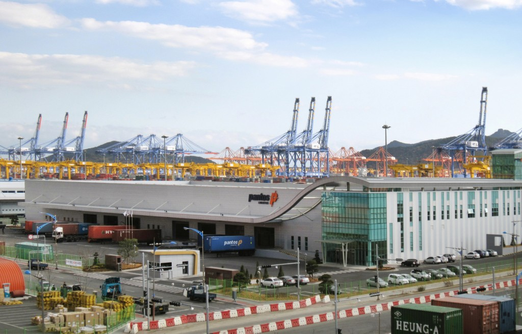 After PSA International took over Hyundai Pusan New-Port Terminal (HPNT) from its rival Hyundai Merchant Marine, both the revenue and profit of the terminal increased. (Wikimedia Commons)