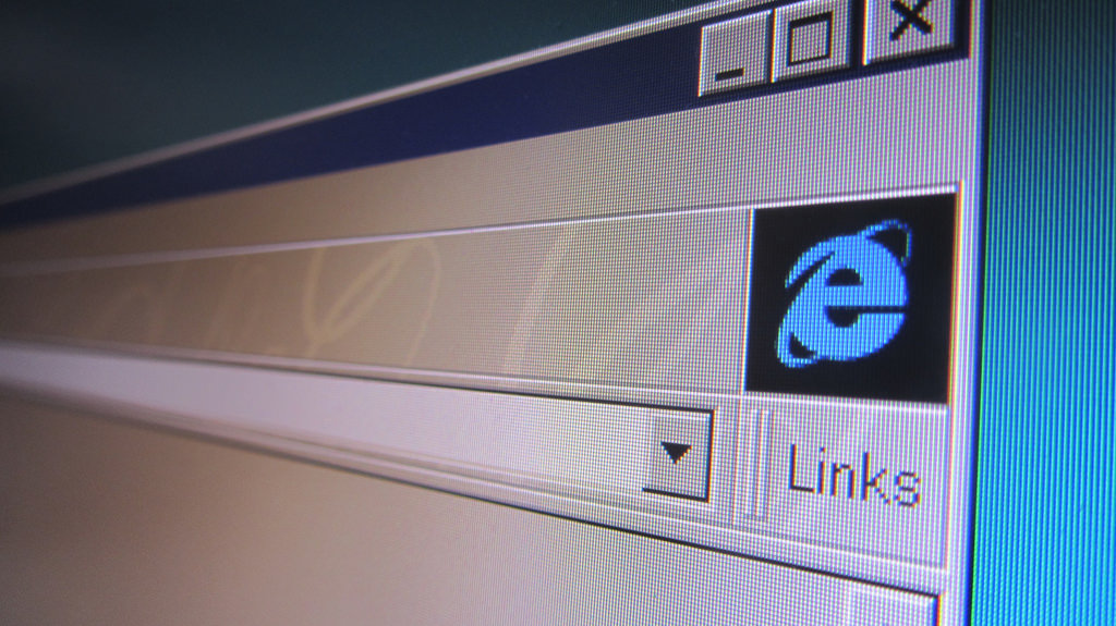 Experts suspect the main culprit for the lag between the South Korean web and that in other countries is a distinct preference among South Koreans for older versions of Internet Explorer, where online content made with HTML5 doesn't show smoothly. (Image courtesy of Christiaan Colen/Flickr)