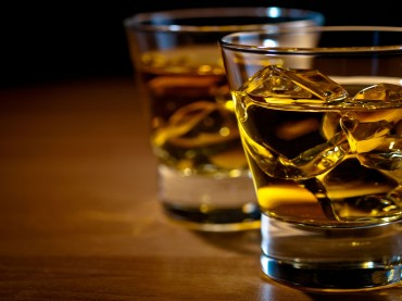 Whiskey Sales Plunge amid Change in Drinking Culture