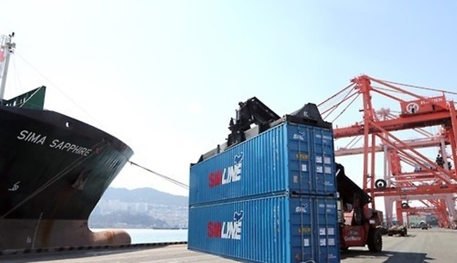 According to the new proposal revealed yesterday, the new data center will be built with the purpose of systematically accumulating and analyzing information while studying the latest trends among shipping companies, to help generate new container traffic while identifying business obstacles to raise productivity. (Image: Yonhap)