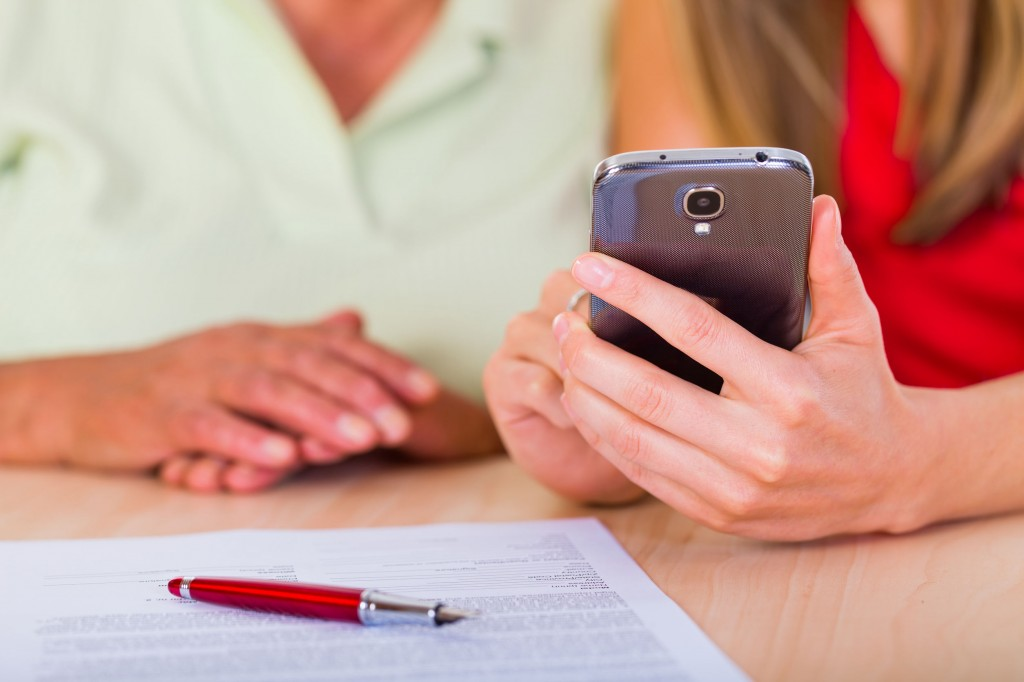 """Our study shows that older smartphone users don't necessarily spend less time on their devices because they have poor cognitive or learning abilities."" (image: KobizMedia/ Korea Bizwire)"