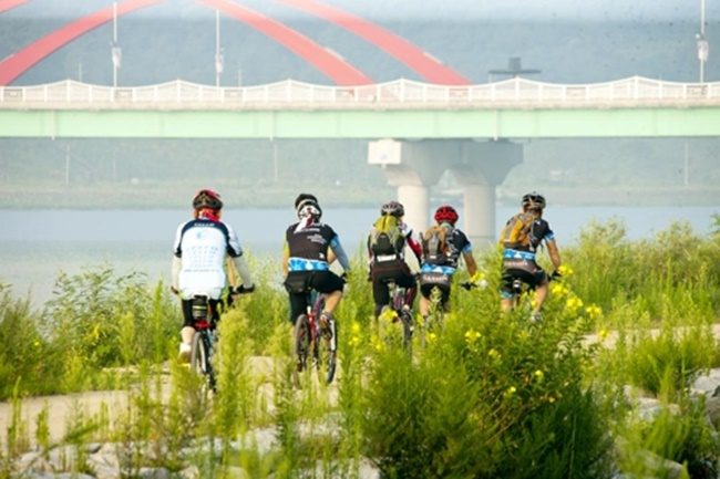 "The city has also built 44.4 kilometers of cycling track dubbed ""Yeongju Bike Trail"" that stretches across Seocheon and Sobaek Mountain. (Image: Andong City)"