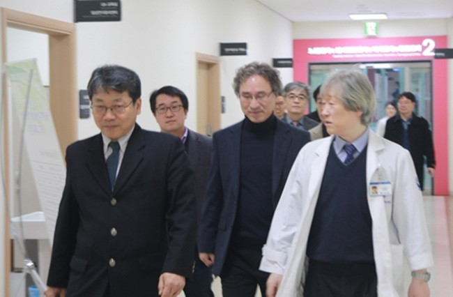 The announcement came yesterday after officials from both parties signed a memorandum of understanding (MoU) at Chungnam National University Hospital, which will see the two groups working closely together on a number of projects ranging from the development of medical robots and health monitoring services to sharing research staff and equipment. (Image: Korea Institute of Machinery & Materials)