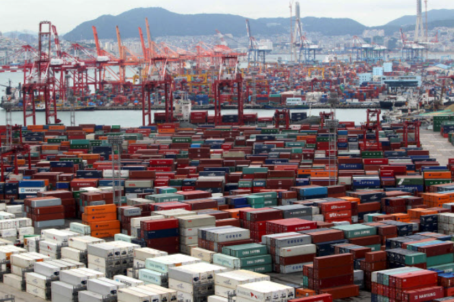 "Busan Vying to Reclaim Title of ""World's Fifth-Largest Container Port"""
