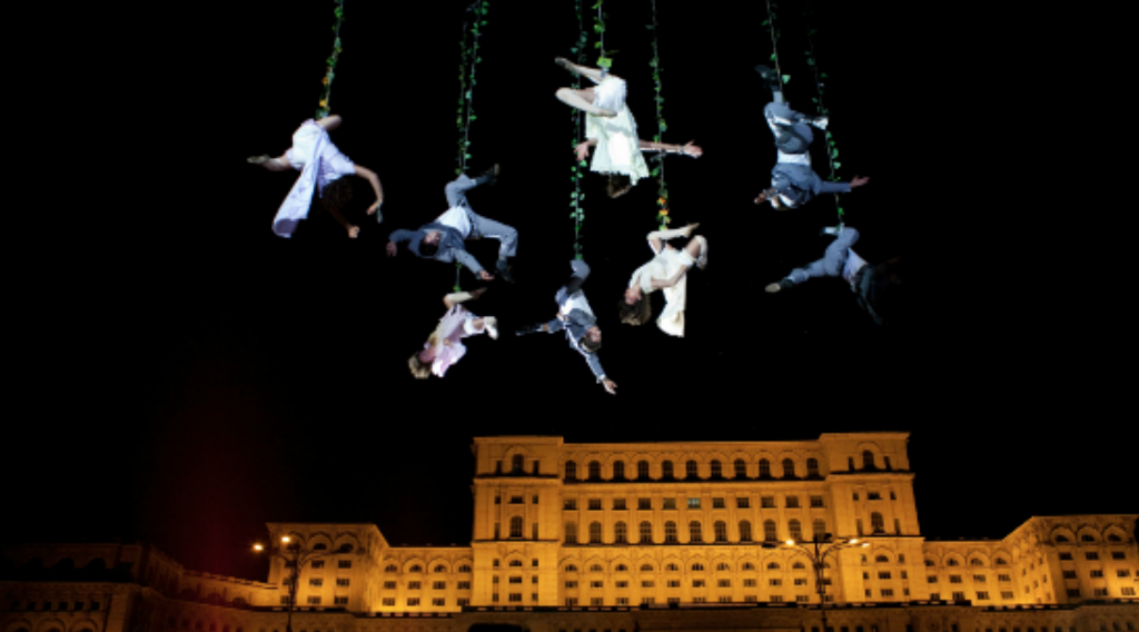Among the international performers are Argentinian dance company Voalà, showcasing Voalà Station, highlighted by sui generis music and dance that takes place mid-air. (image: ACC)